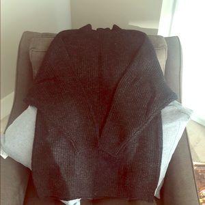 Black/gray knit sweater
